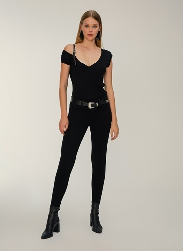 NGSTYLE Suni Deri Aksesuarlı Triko Bluz Siyah